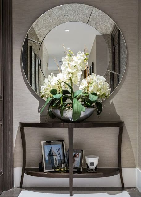 Stunning Foyer Decorating Ideas 24