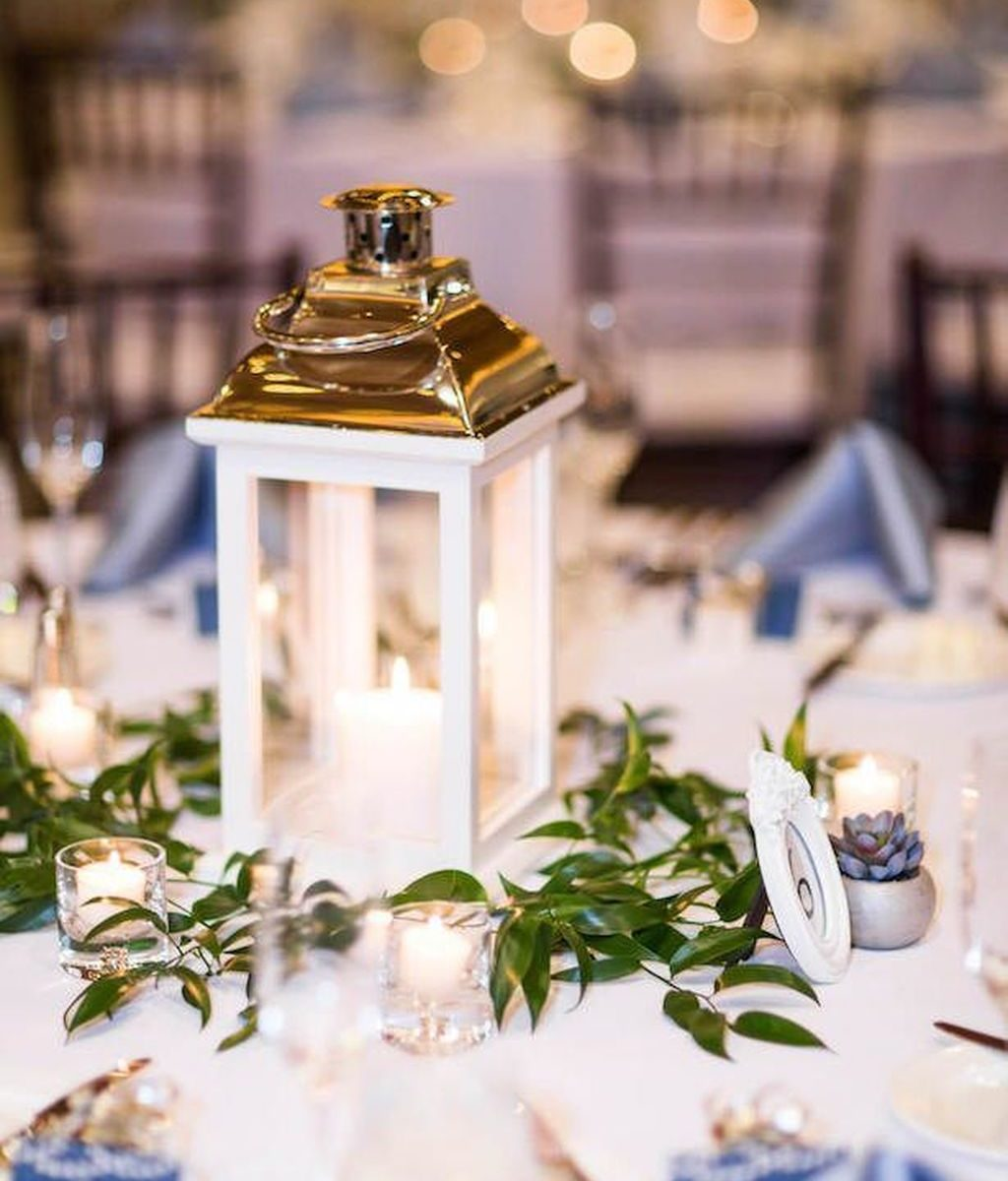 Stunning Winter Lantern Centerpieces For Wedding 16 Hmdcrtn
