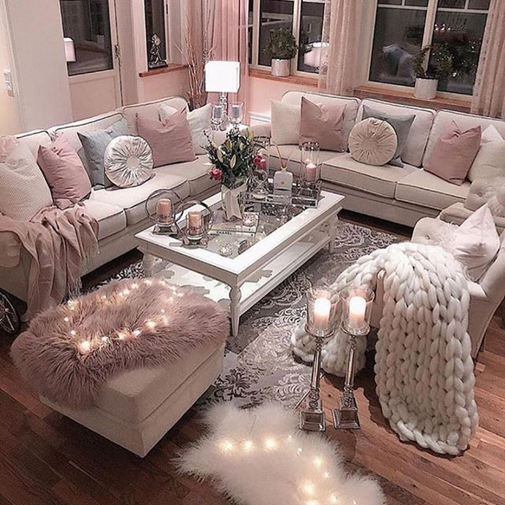 Beautiful Valentine Living Room Decor Ideas You Should Try 09 Hmdcrtn