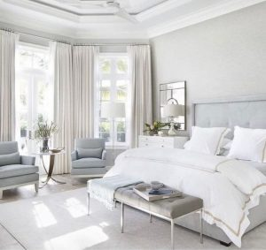 Beautiful White Master Bedroom Decorating Ideas 34