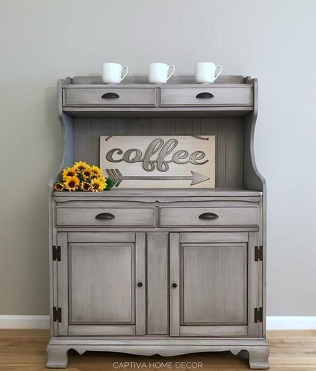 Popular Distressed Furniture Ideas To Get A Vintage Accent 10