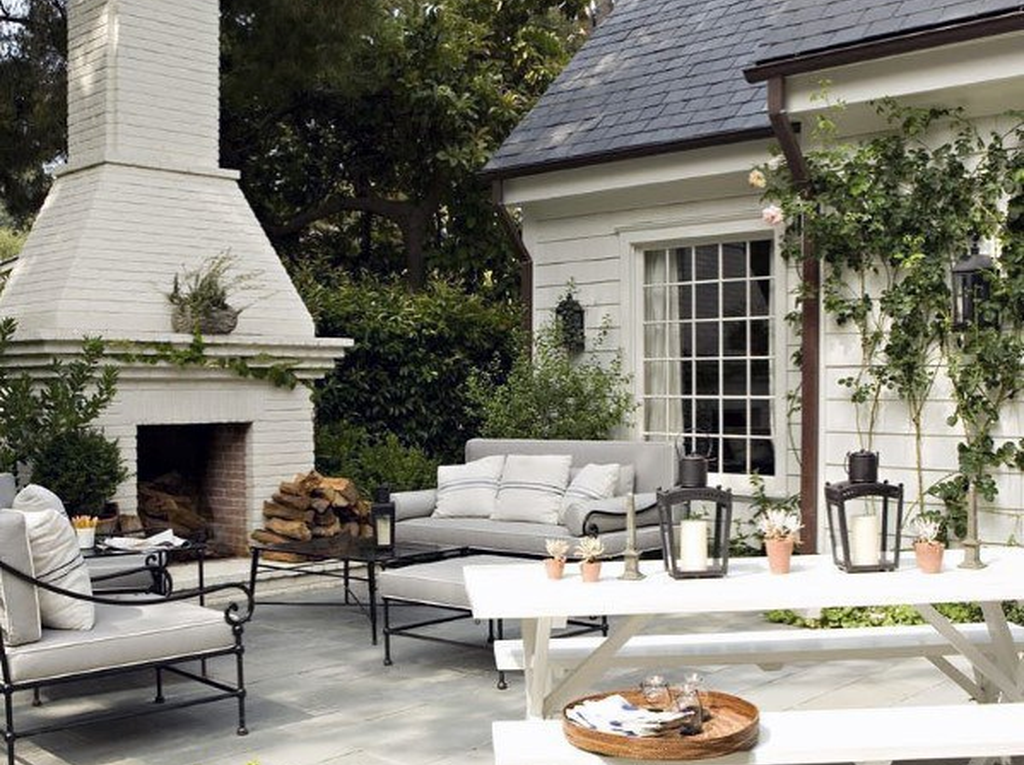 The Best Backyard Fireplace Design Ideas You Must Have 24
