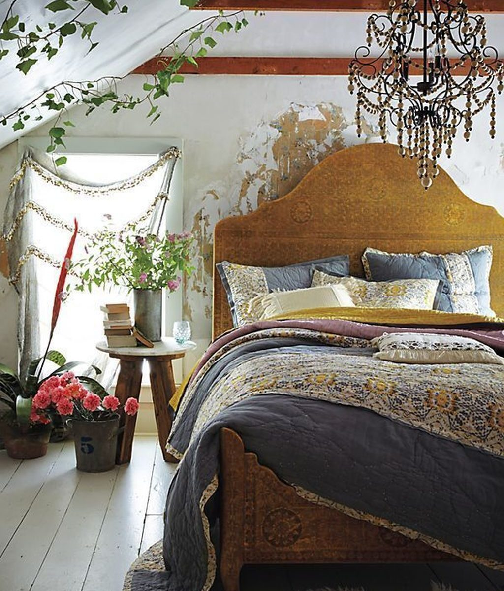 Awesome Attic Bedroom Decorating Ideas You Will Love 06