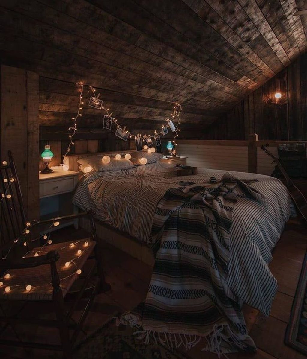 Awesome Attic Bedroom Decorating Ideas You Will Love 16