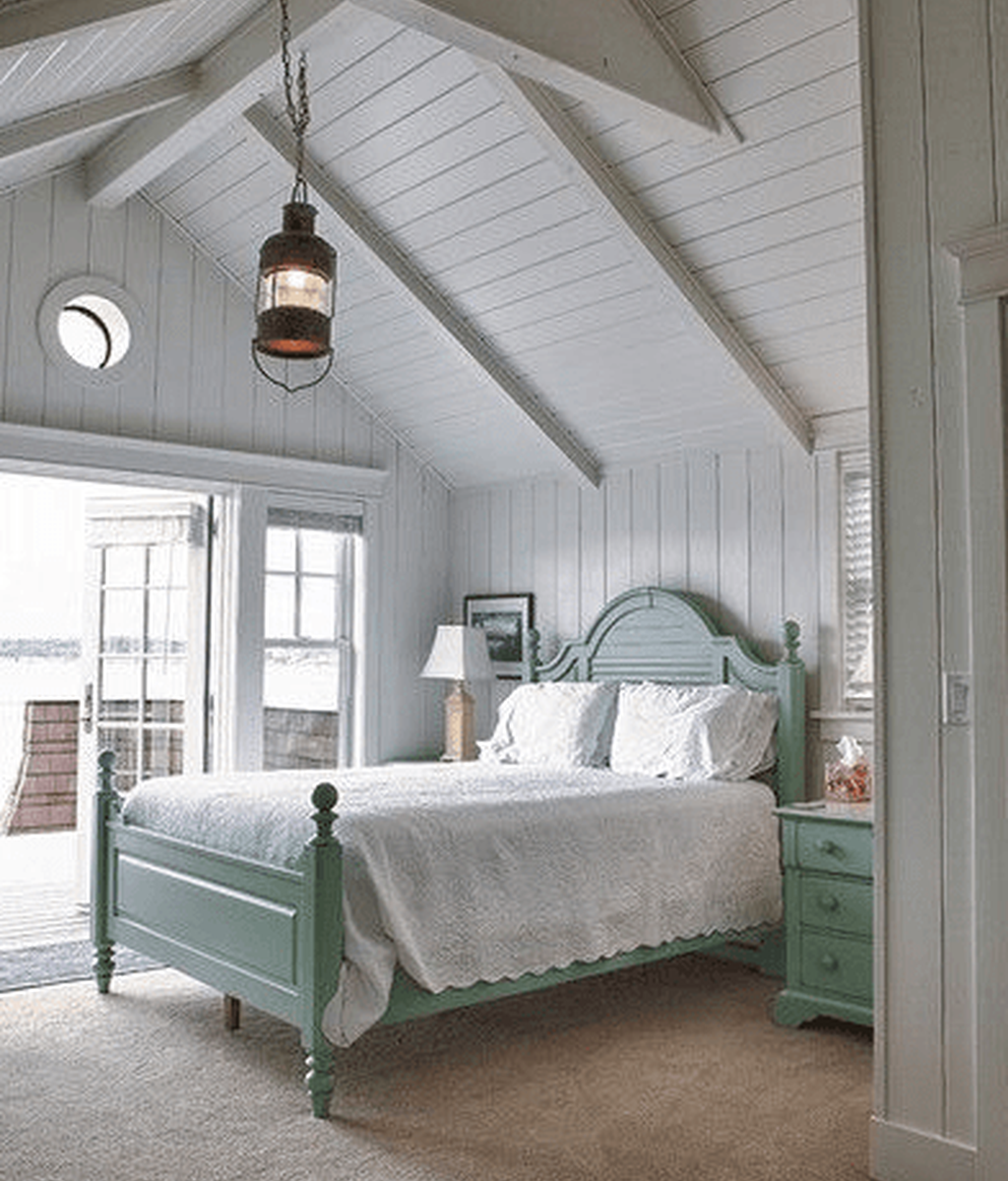 Awesome Attic Bedroom Decorating Ideas You Will Love 23