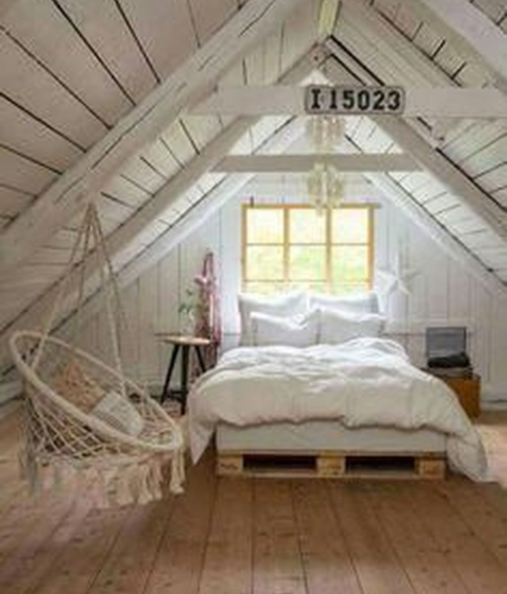 Awesome Attic Bedroom Decorating Ideas You Will Love 24