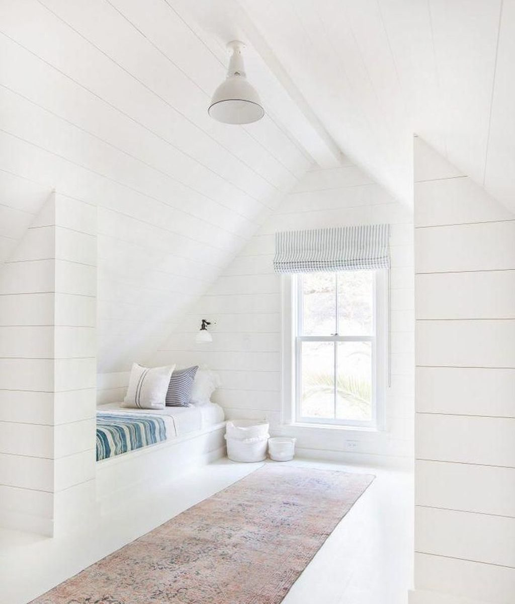 Awesome Attic Bedroom Decorating Ideas You Will Love 26