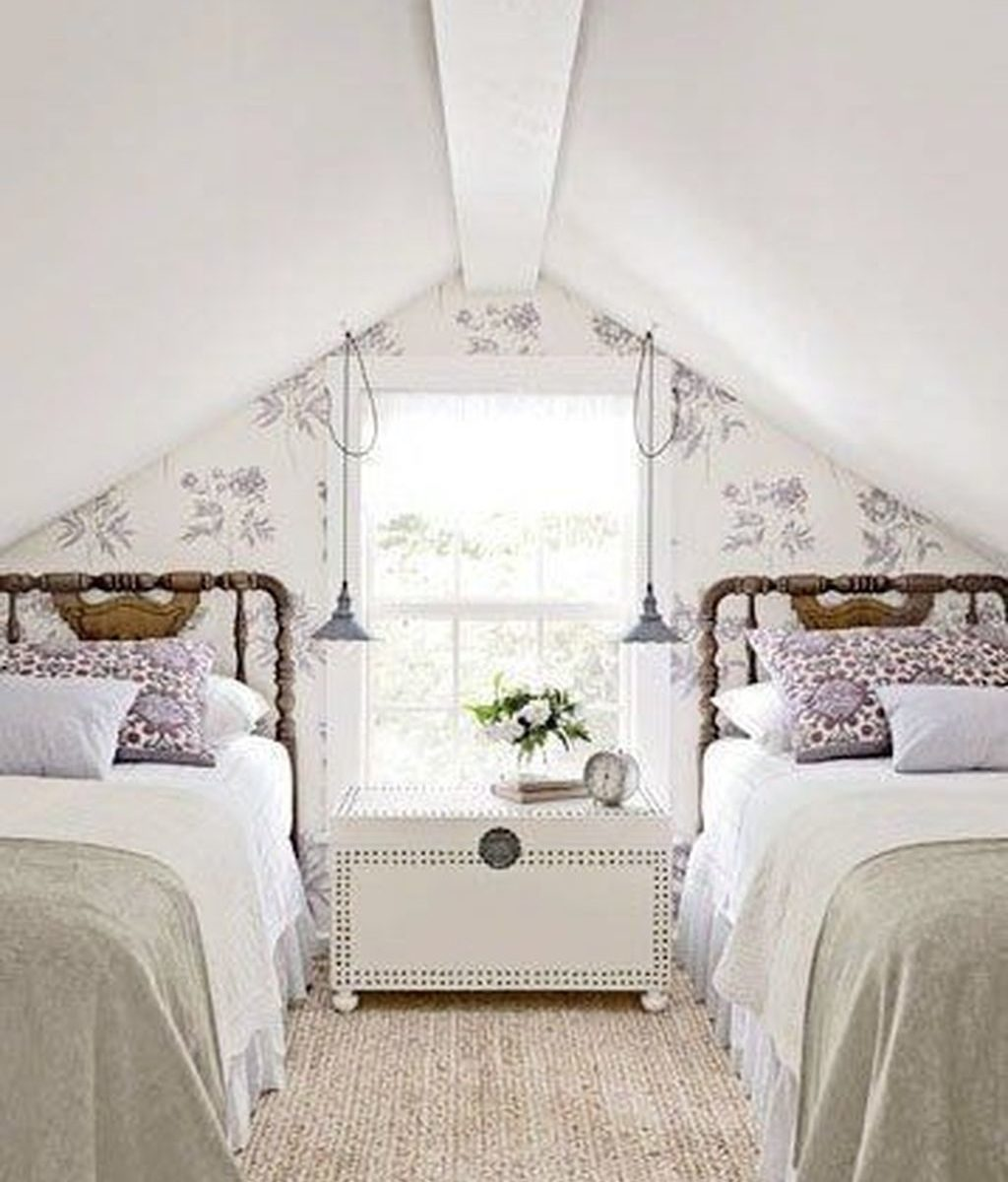 Awesome Attic Bedroom Decorating Ideas You Will Love 30