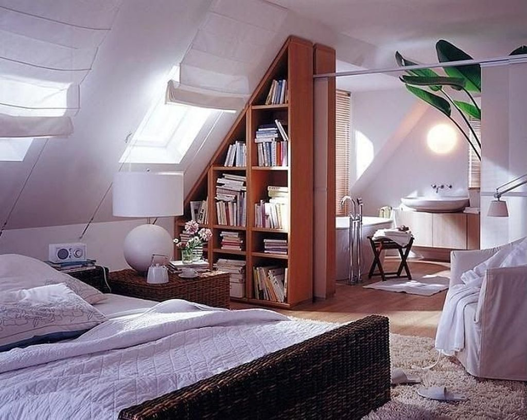 Awesome Attic Bedroom Decorating Ideas You Will Love 36