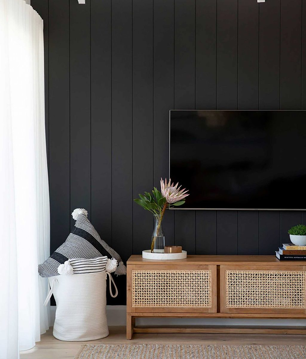 Brilliant Accent Wall Ideas For Living Room 24