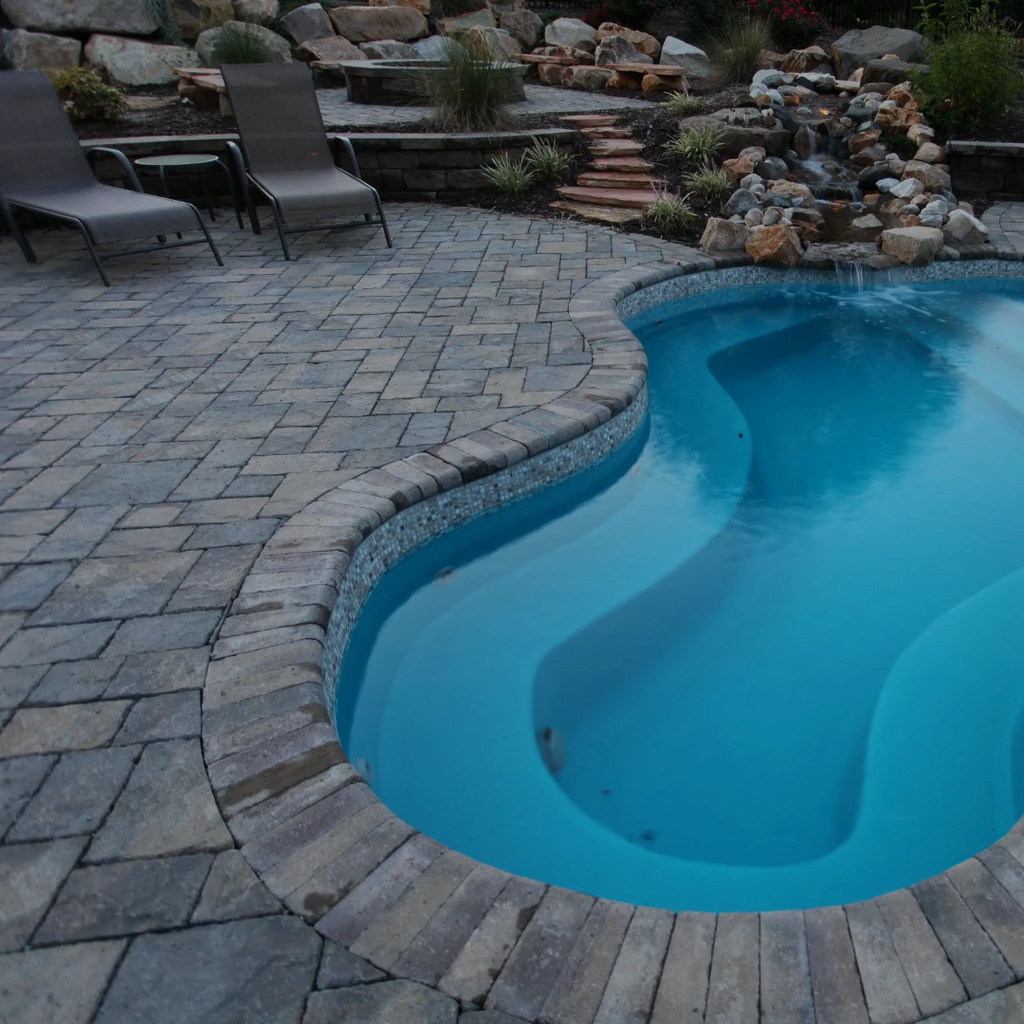 Fabulous Backyard Pool Landscaping Ideas You Never Seen Before 34