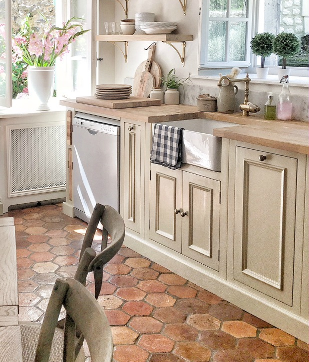 Inspiring Country Kitchen Decor Ideas You Should Copy 08