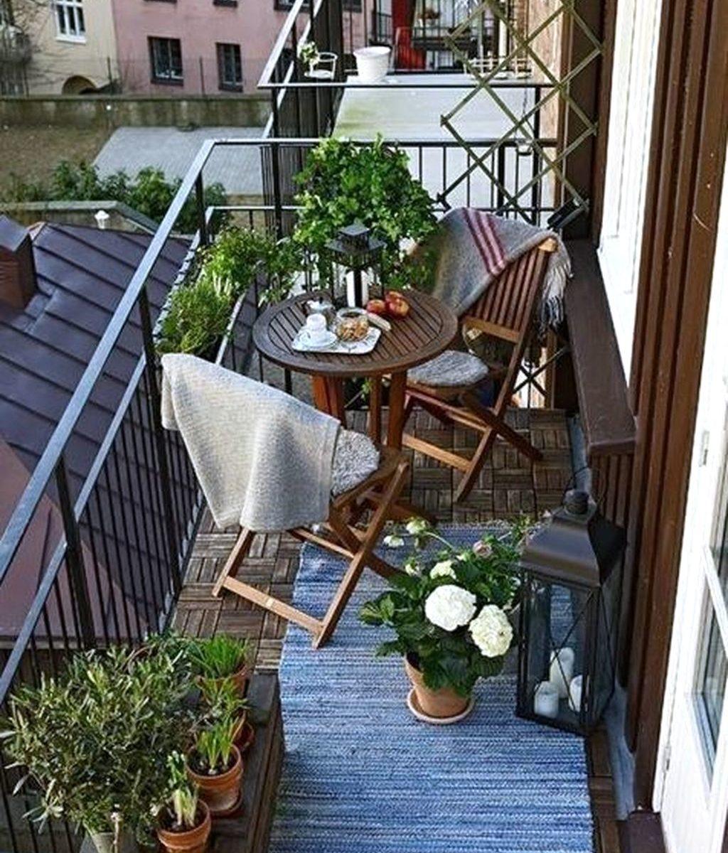 Stunning Apartment Balcony Garden Ideas Look Beautiful 22