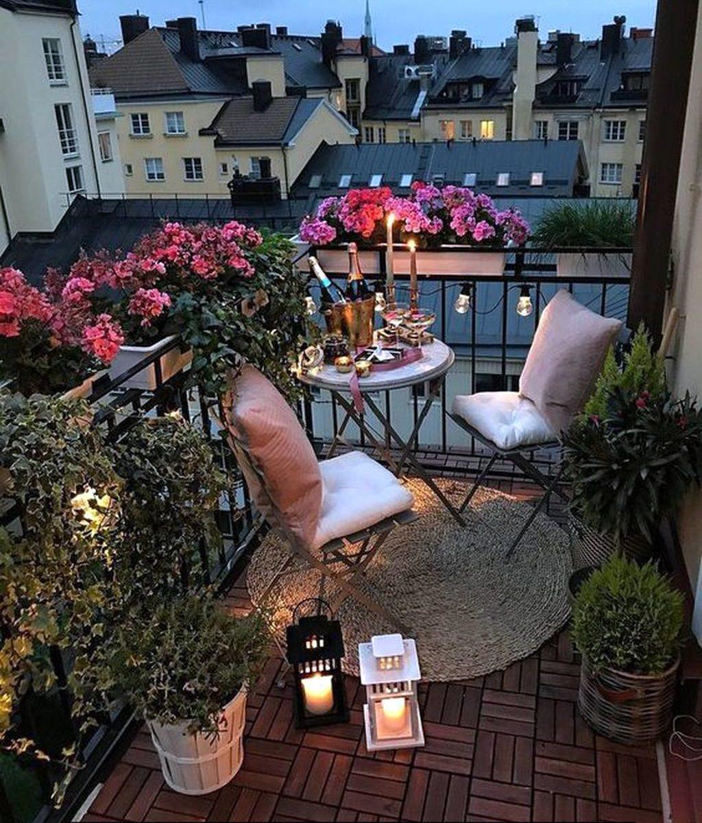 Stunning Apartment Balcony Garden Ideas Look Beautiful 23