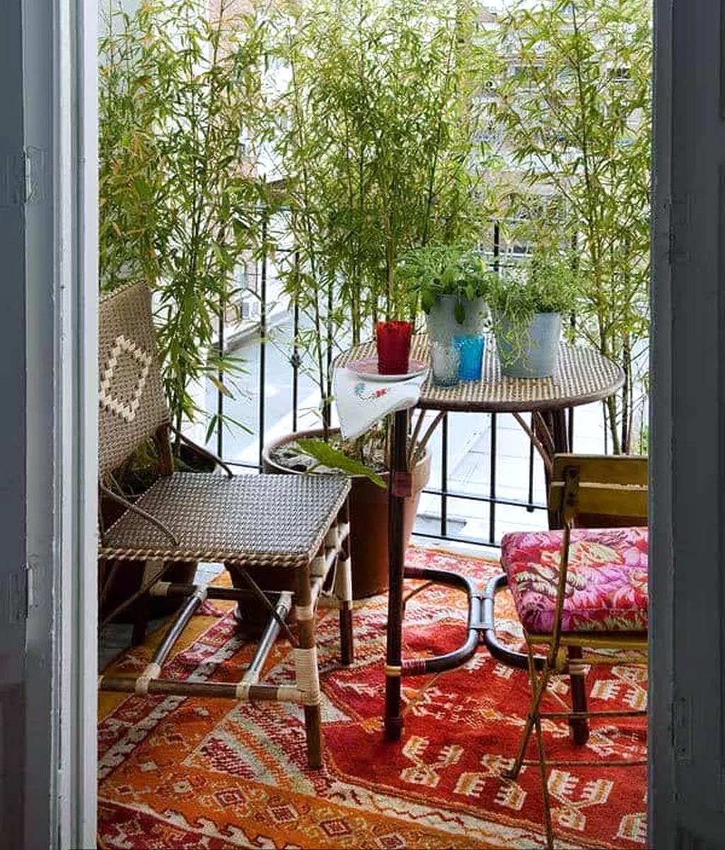 Stunning Apartment Balcony Garden Ideas Look Beautiful 25