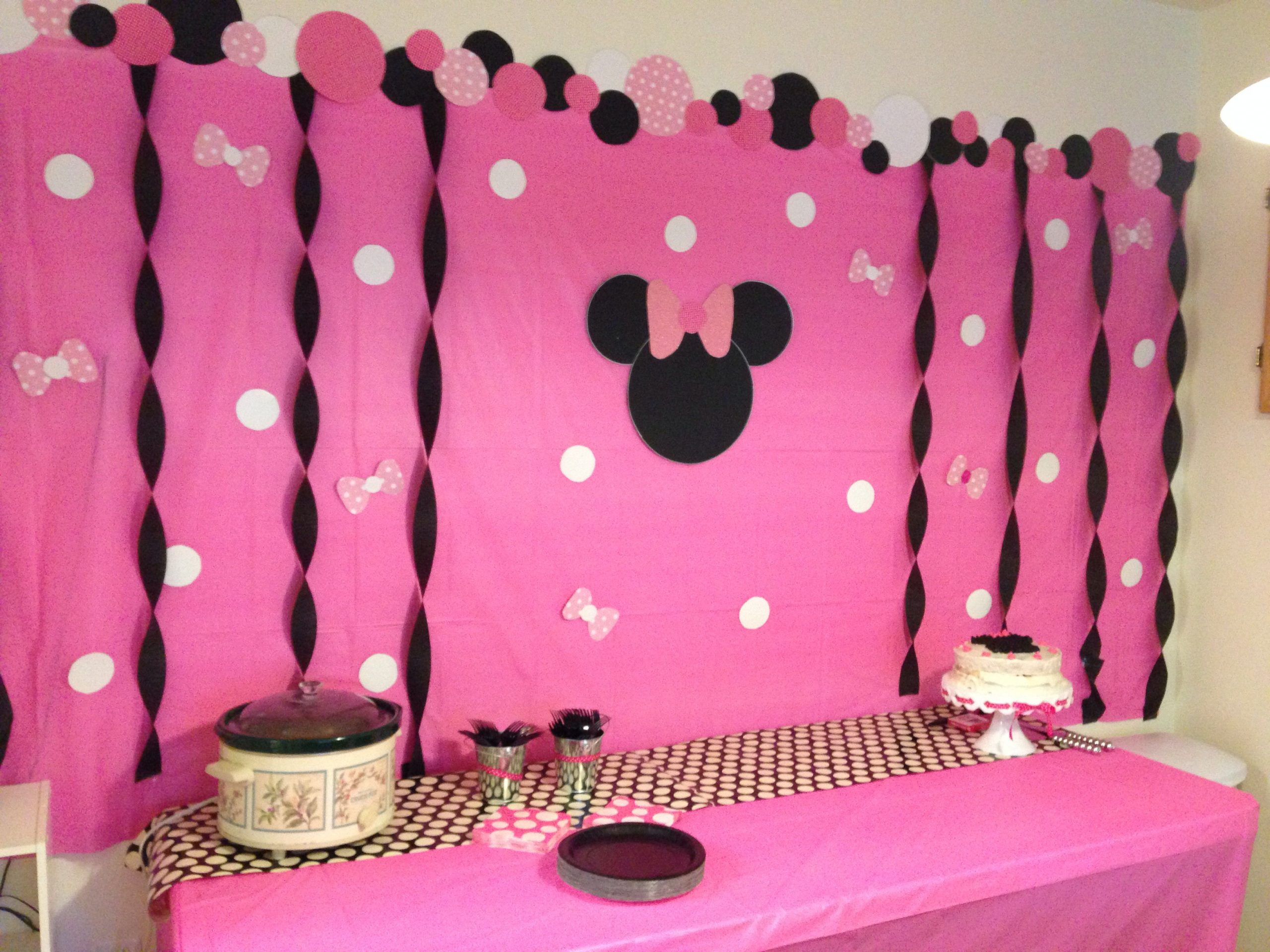 DIY Minnie Mouse Decorations