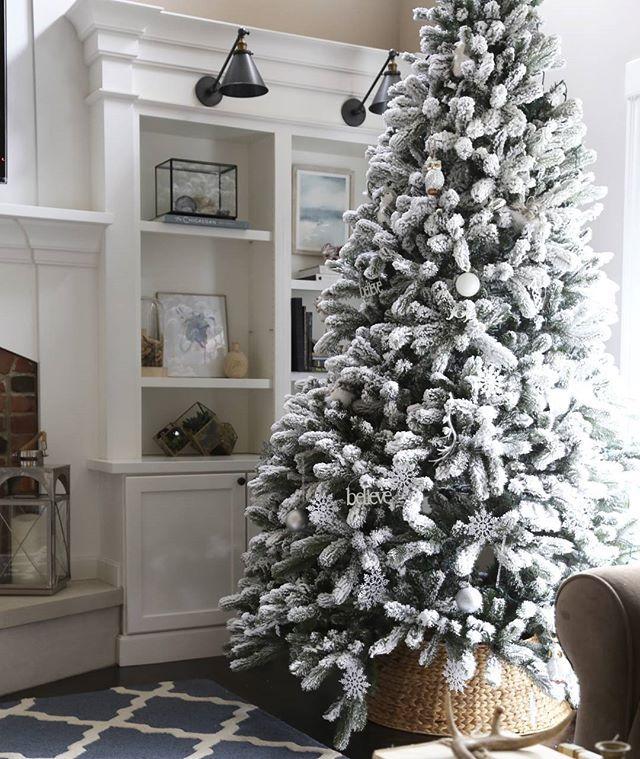 9 Ft Flocked Christmas Tree