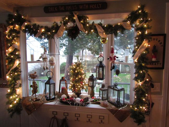Bay Window Christmas Decorations