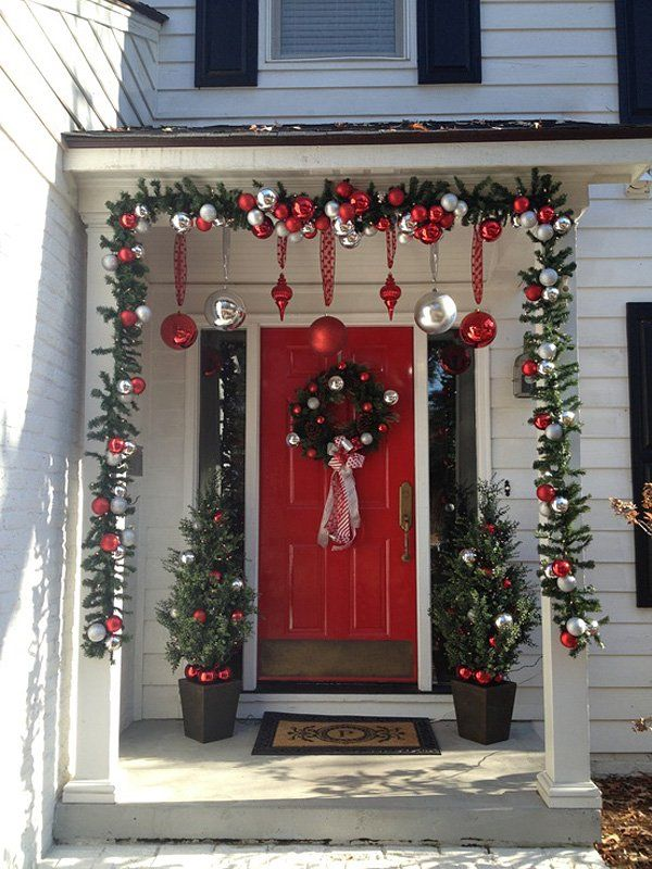 Simple Front Door Christmas Decorations Ideas