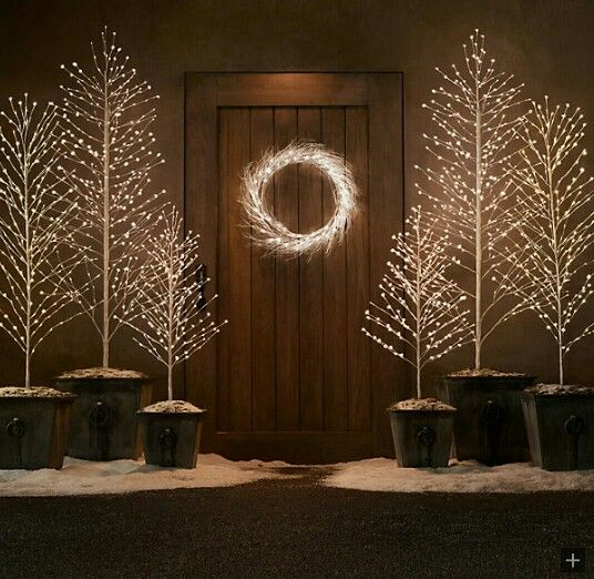 Modern Outdoor Christmas Decorations