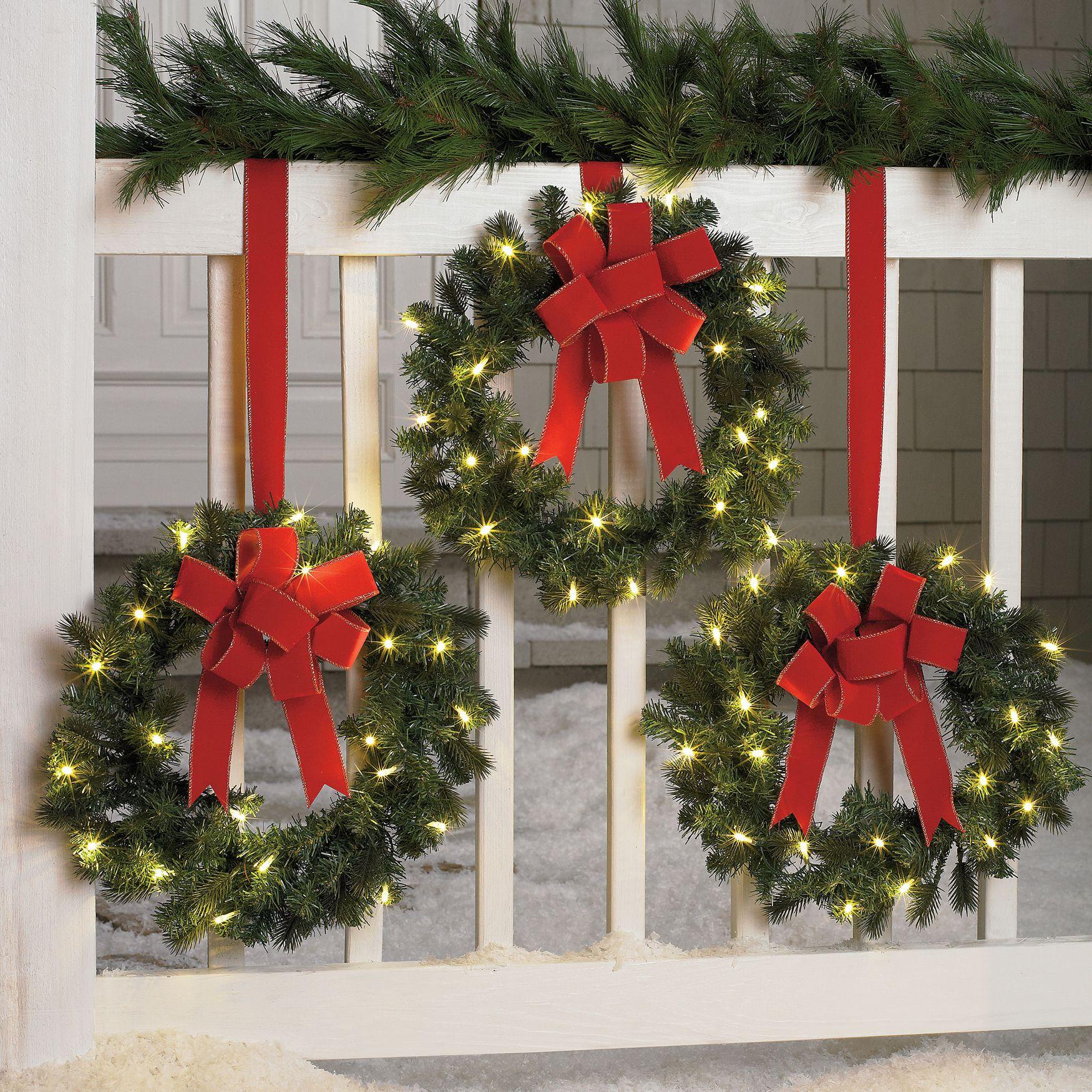 Pre Lit Outdoor Wreath