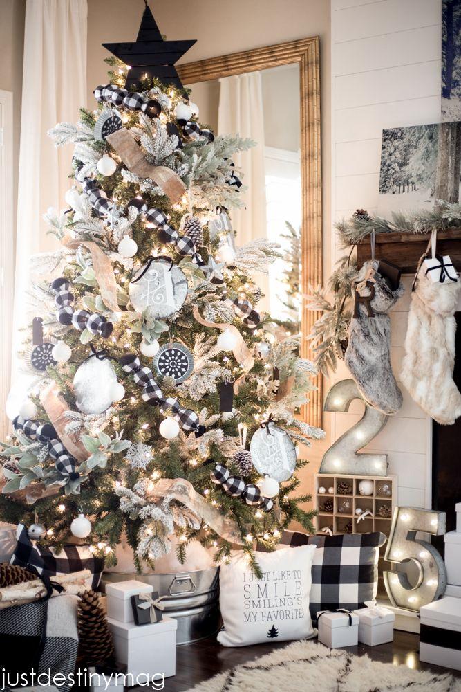 Black And White Plaid Christmas Decor