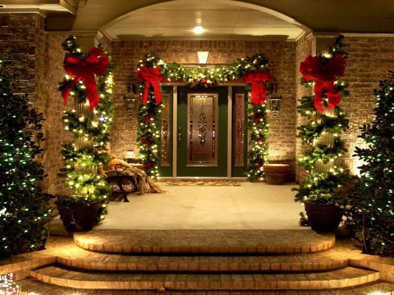 Elegant Outdoor Christmas Decorations